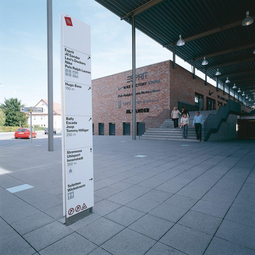 Leitsystem, Orientierungssystem, Outletcity Metzingen