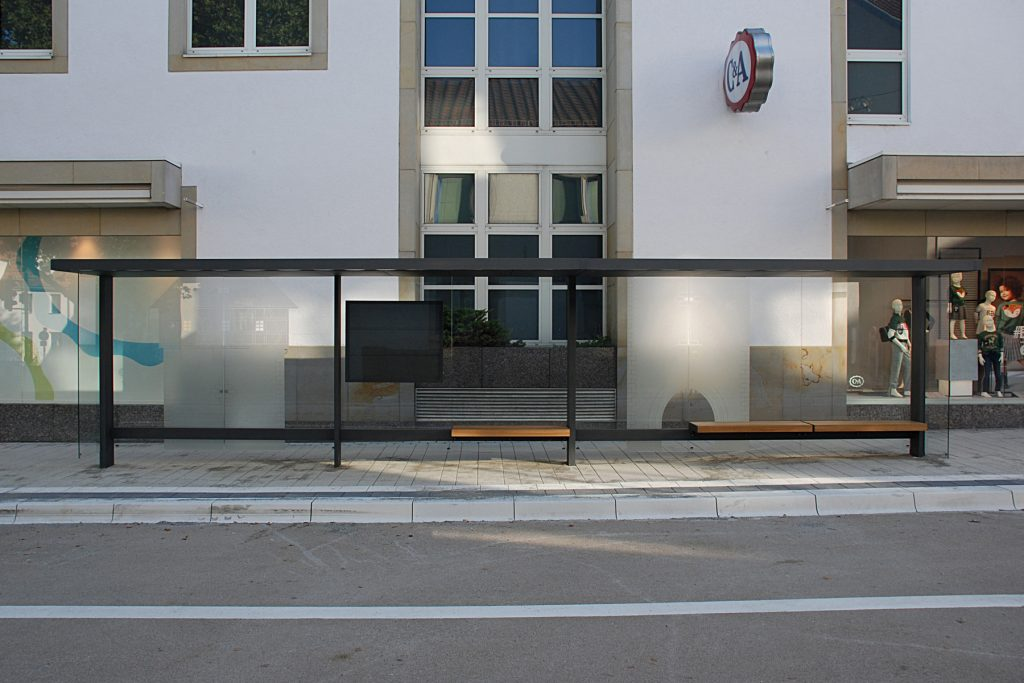 Glasgestaltung Bushaltestelle Gartentor